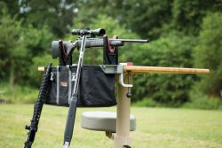 Transporter Range Vise - 782805 3qtr front 2 guns leaning on bench 250x167