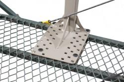 484148-close-mesh-mount